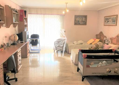 Apartment - Sale - Alicante - Centro · Mercado central